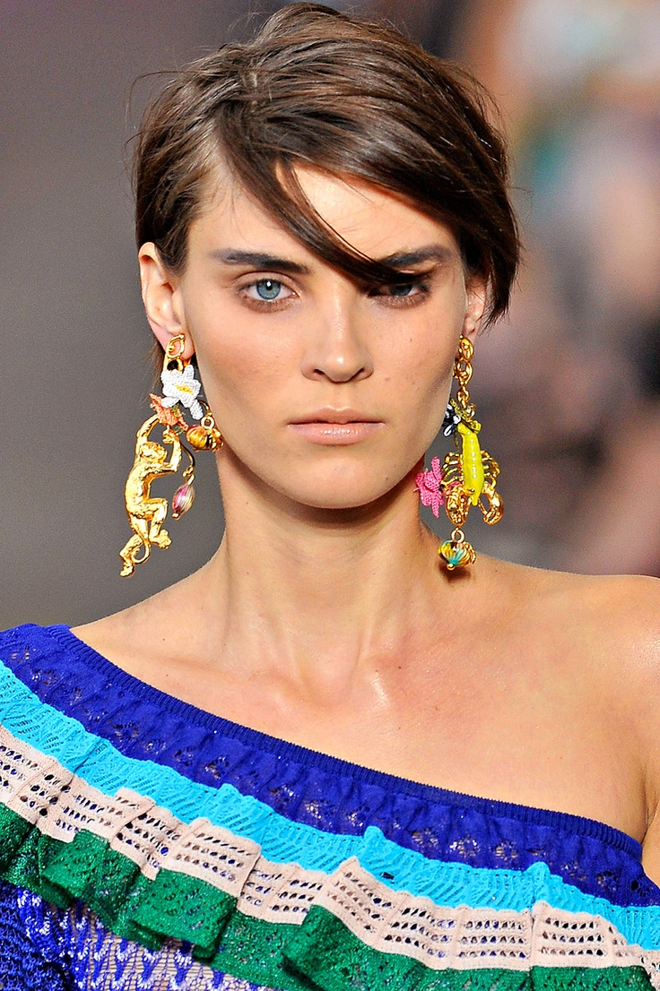 Mismatched-earrings4 5 Spring & Summer Accessories Fashion Trends in 2017