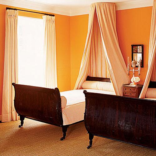 Orange-bedroom-classic-and-contemporary 25+ Elegant Orange Bedroom Decor Ideas