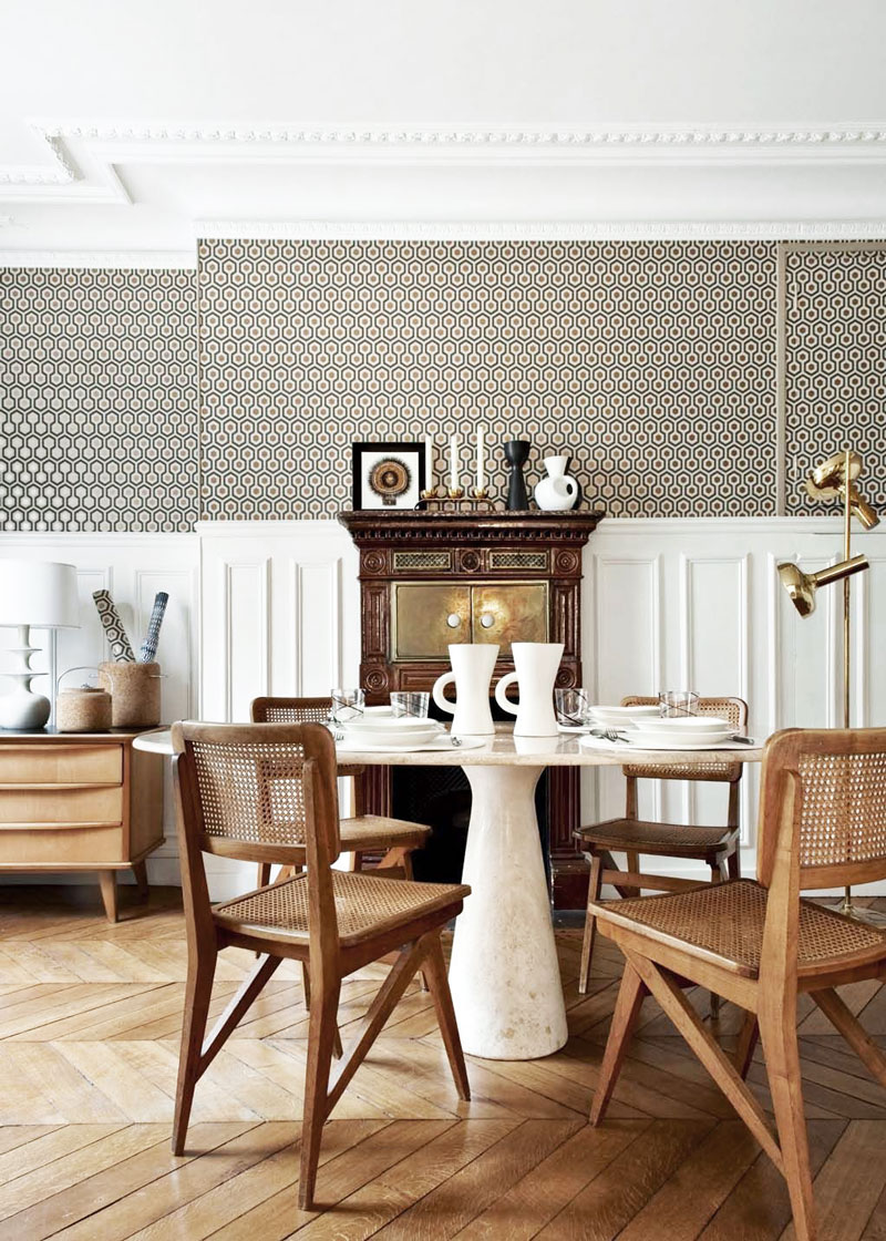 Parisian-Café-Inspired-Dining-Room7 11 Tips on Mixing Antique and Modern Décor Styles