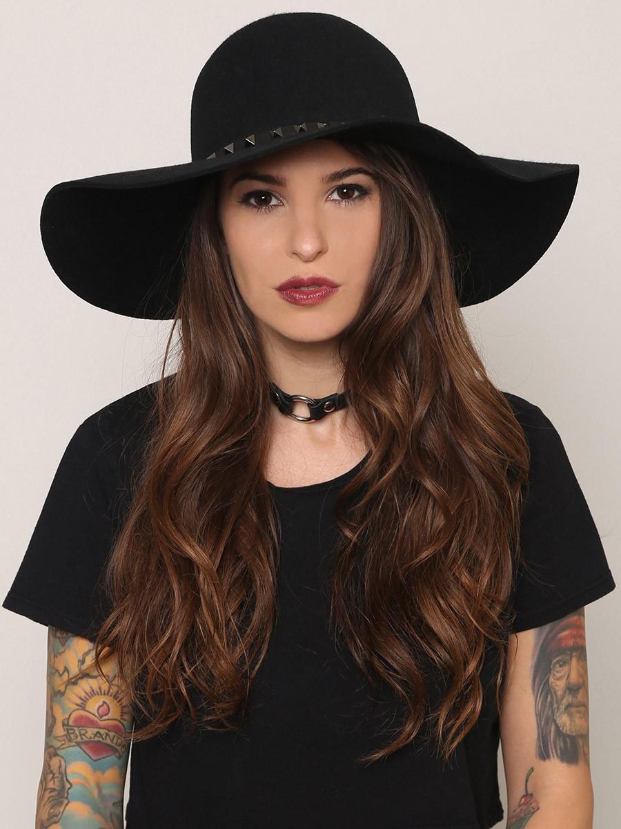 Super-Floppy-Hats3 10 Women's Hat Trends For Summer 2020