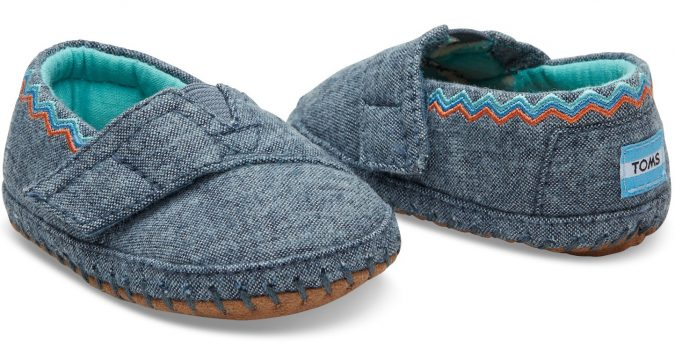 TOMS-baby-girl-shoes9-Blue-Chambray-Embroidery-675x343 20+ Adorable Baby Girls Shoes Fashion for 2020