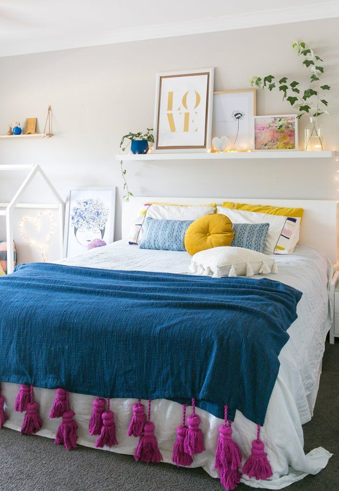The-Effect-Of-Shelvings5 Top 5 Girls' Bedroom Decoration Ideas in 2017