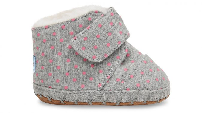 Toms-baby-girl-shoes4-Grey-Polka-Dot-1-675x379 20+ Adorable Baby Girls Shoes Fashion for 2018