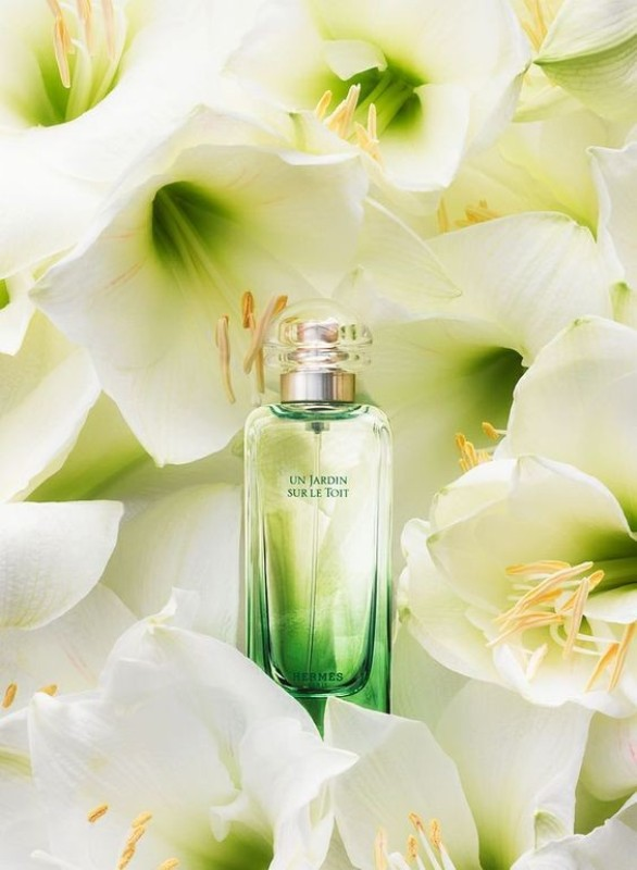 Un-Jardin-Sur-Le-Toit-by-Hermes-for-women-and-men +54 Best Perfumes for Spring & Summer