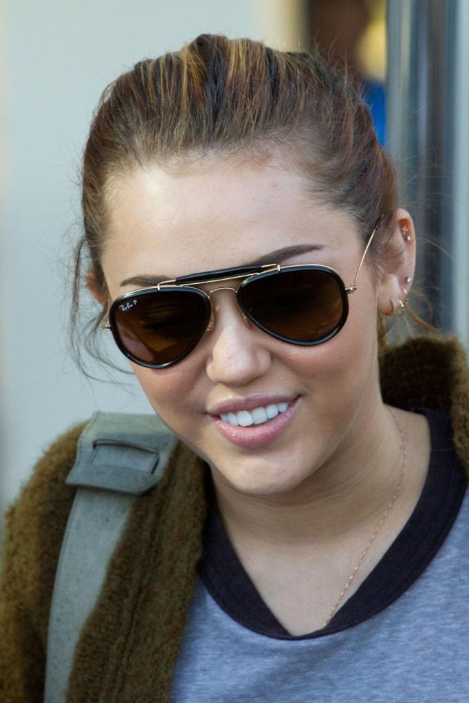 Unibrow-Line-Sunglasses1 12 Unusual Sunglasses trends in 2018