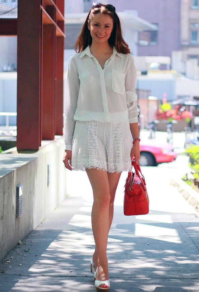 White-Blouse-and-Skirt3-1 20+ Hottest White Party Outfits Ideas for Women in 2020