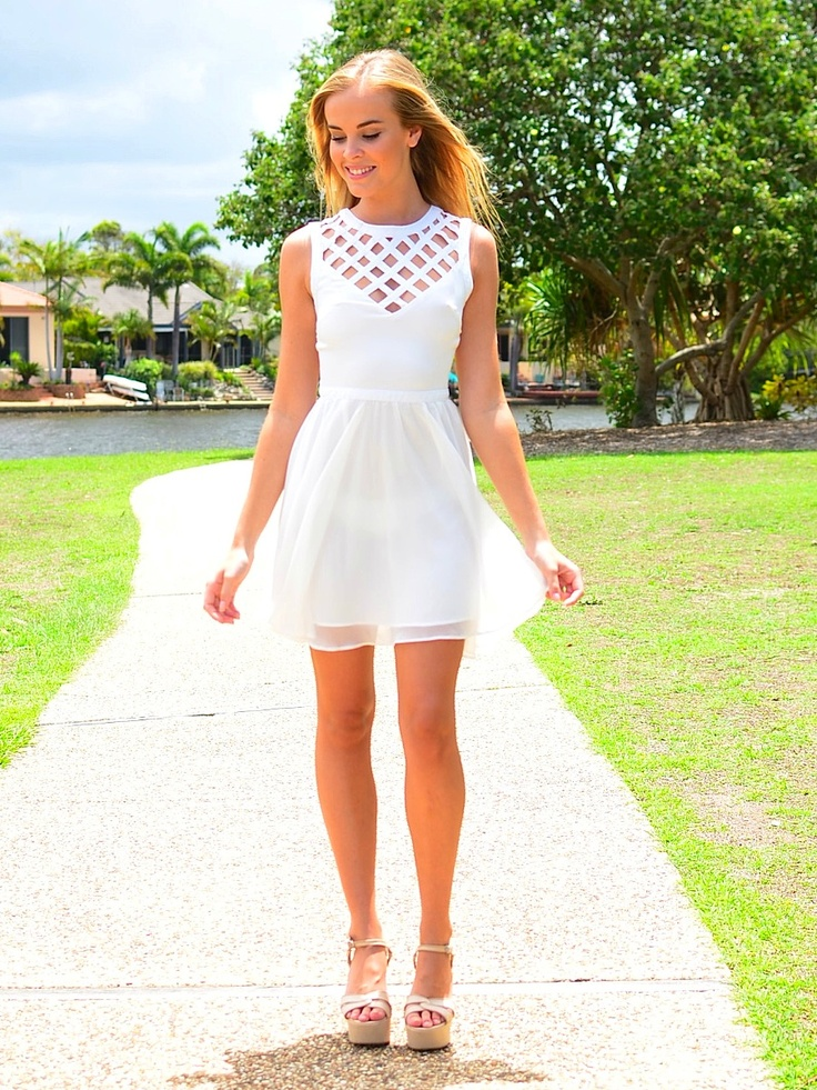 White-Dress1 20+ Hottest White Party Outfits Ideas for Women in 2020