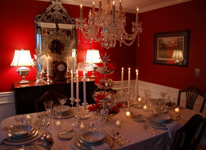 candles-to-decorate-each-and-every-room-675x492 Top 10 Best Ways To Turn Your Home All Christmassy