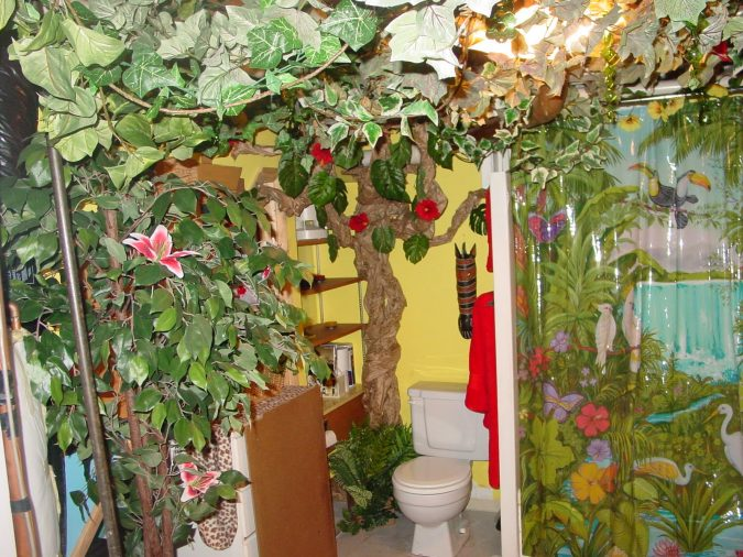 jungle-bathroom-377190-675x506 5 Bathroom Designs of kids' Dreams
