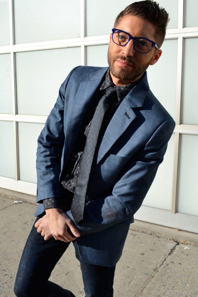 man-wearing-cat-eye-glasses-675x1013 20+ Best Eyewear Trends for Men and Women
