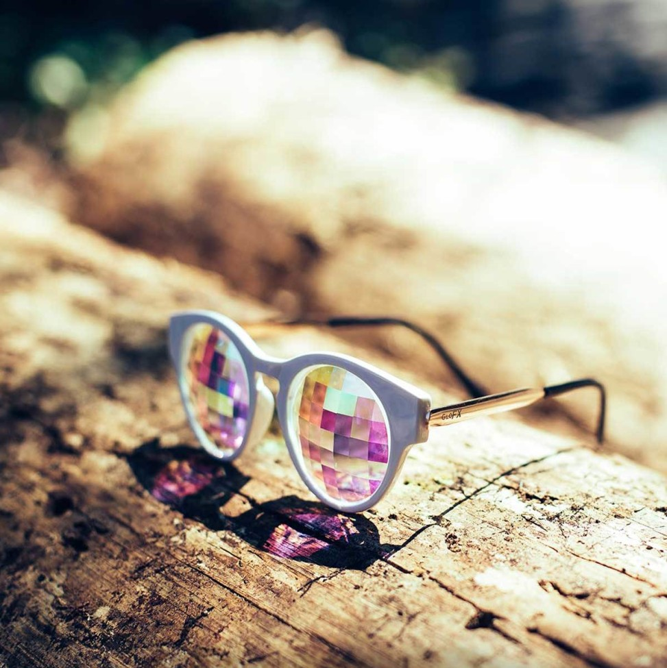 raver-sunglasses1 5 Spring & Summer Accessories Fashion Trends in 2018