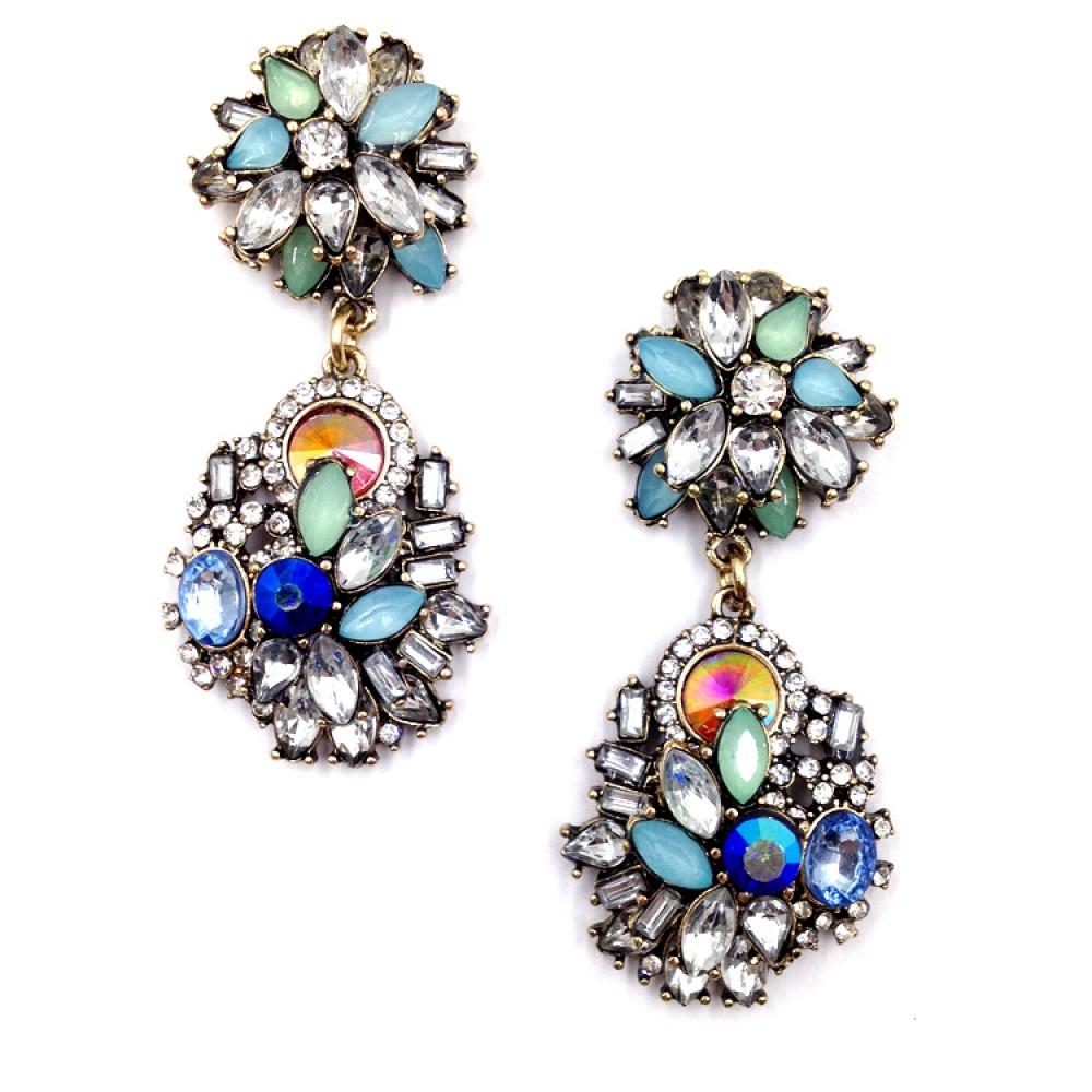 statement-earrings2 5 Spring & Summer Accessories Fashion Trends in 2018