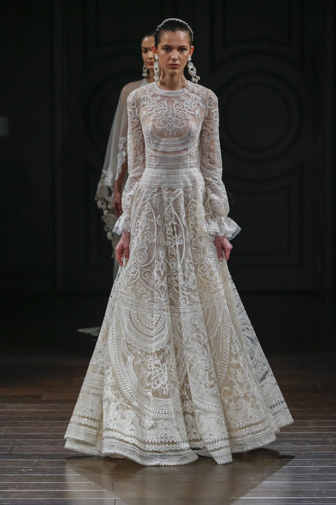 wedding-dress-Naeem-Khan2-675x1013 2018 Wedding dresses Trends for a Gorgeous-looking Brid