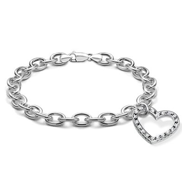 14k-White-Gold-Diamond-Heart-Charm-Bracelet How To Hide Skin Problems And Wrinkles Using Jewelry?