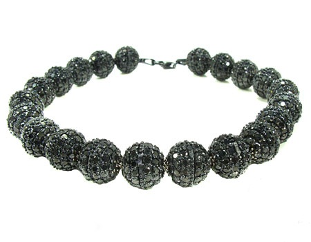 19046_Ladies_Diamond_Bracelet_Gold_14K_Round_Cut_Black_Color_Grade_AAA__1800ct_4091 How To Hide Skin Problems And Wrinkles Using Jewelry?