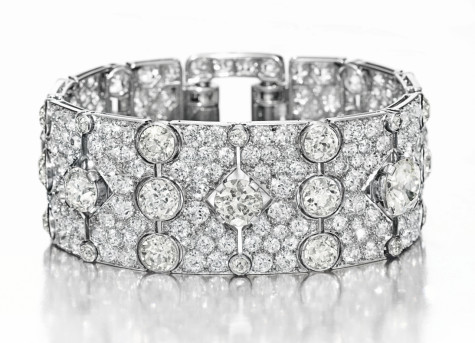 2567_184_An-Art-Deco-Diamond-Bracelet-by-Cartier-1-475x343 How To Hide Skin Problems And Wrinkles Using Jewelry?