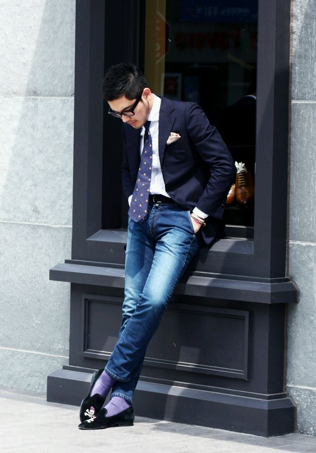 A-pair-of-slippers3-1 10 Most Stylish Outfits for Guys in Summer 2020
