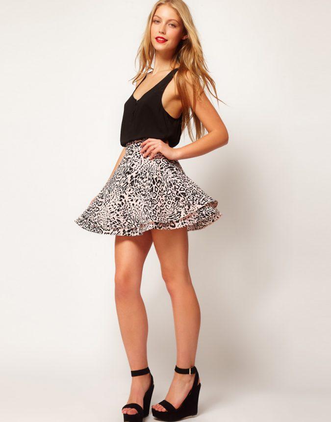 Animal-Print-Skirt4-675x861 +40 Elegant Teenage Girls Summer Outfits Ideas in 2021