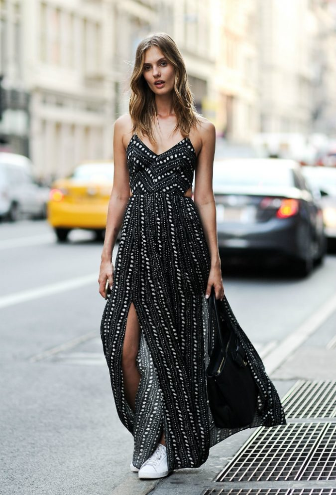 Boho-dress-and-sneakers-675x993 +40 Elegant Teenage Girls Summer Outfits Ideas in 2021
