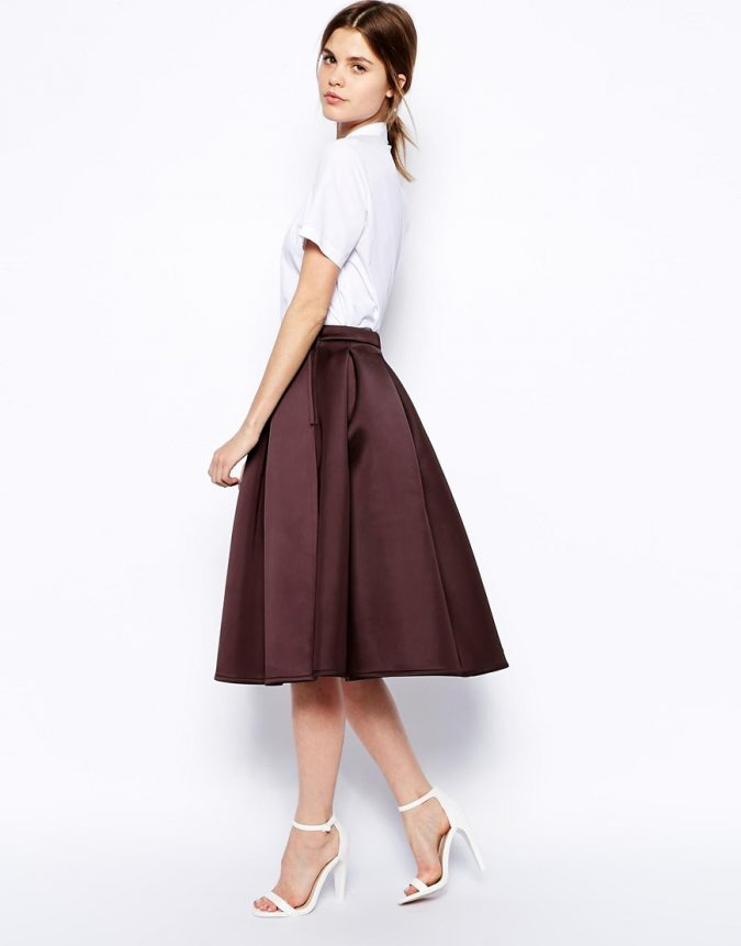 Bonded-skirt2-675x861 18 Work Outfits Every Working Woman Should Have