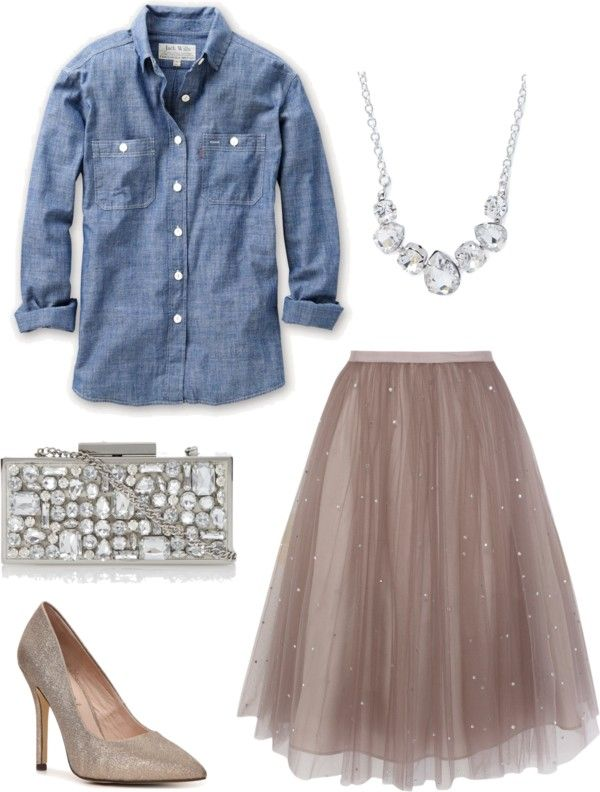 Chambray-shirt3 6 Fabulous Outfits for Women Over 40
