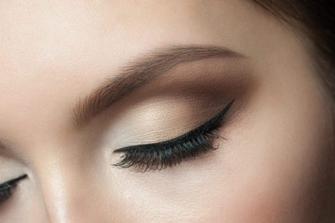 Eyebrows-shutterstock_173066627-675x450 8 Strangest Cosmetic Products You Should Try