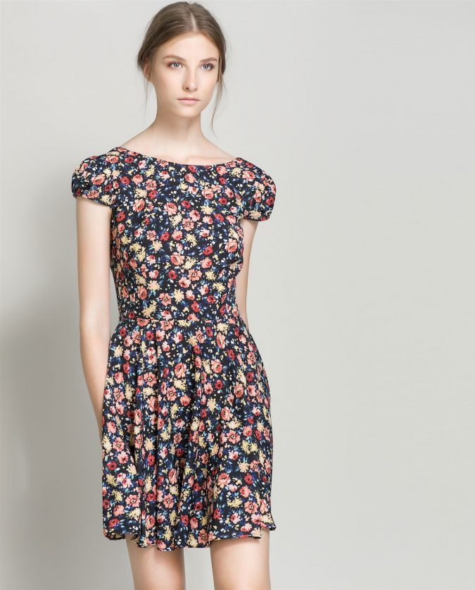 Floral-Dress-675x837 +40 Elegant Teenage Girls Summer Outfits Ideas in 2021
