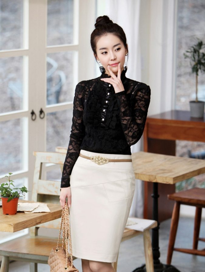 High-Neck-Blouse-and-Pencil-Skirt2-675x896 18 Work Outfits Every Working Woman Should Have