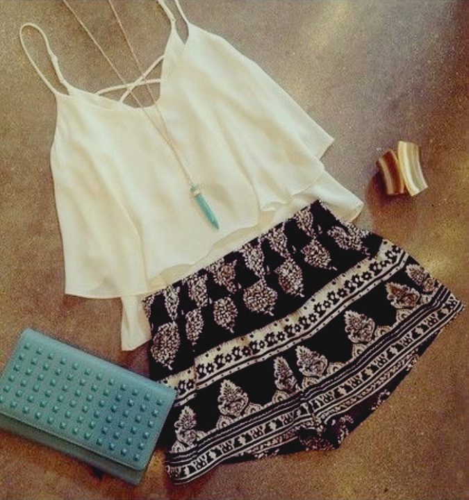 Layered-Top-with-Colored-Short-675x720 +40 Elegant Teenage Girls Summer Outfits Ideas in 2021