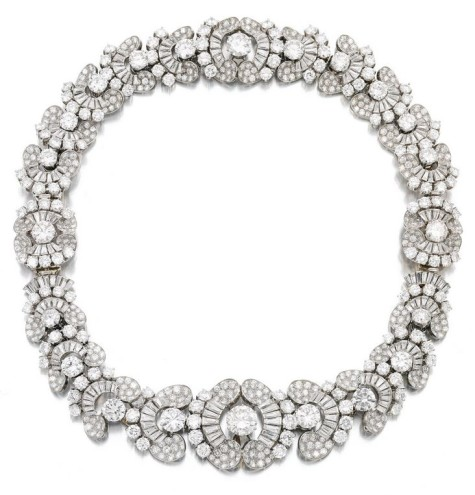 Lot-663-MAGNIFICENT-DIAMOND-NECKLACE-BRACELET-COMBINATION-BULGARI-1954-475x495 How To Hide Skin Problems And Wrinkles Using Jewelry?