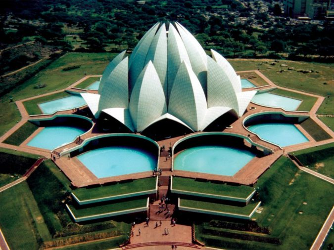 Lotus-Temple-India-top-view-675x506 15 Most Creative Building Designs in The World in 2019