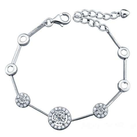 Luxurious_Switzerland_Diamond_Design_925_Sterling_Silver_Bracelet_Jewellery_151879507857591791-475x475 How To Hide Skin Problems And Wrinkles Using Jewelry?