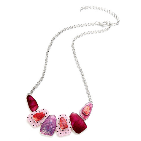 Pink_Necklace-475x475 How To Hide Skin Problems And Wrinkles Using Jewelry?