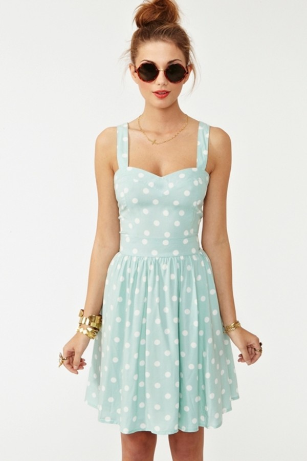 Polka-dots-dress +40 Elegant Teenage Girls Summer Outfits Ideas in 2020