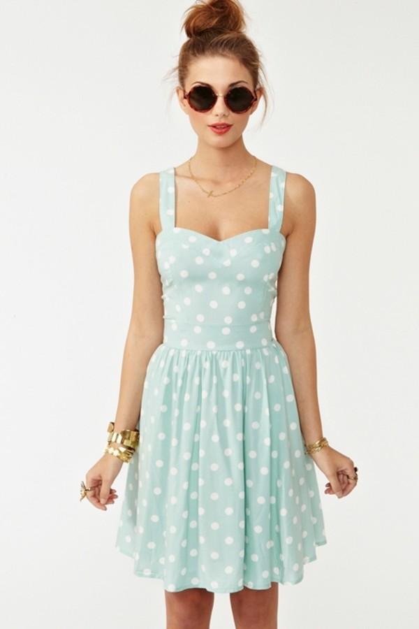 Polka-dots-dress +40 Elegant Teenage Girls Summer Outfits Ideas in 2021
