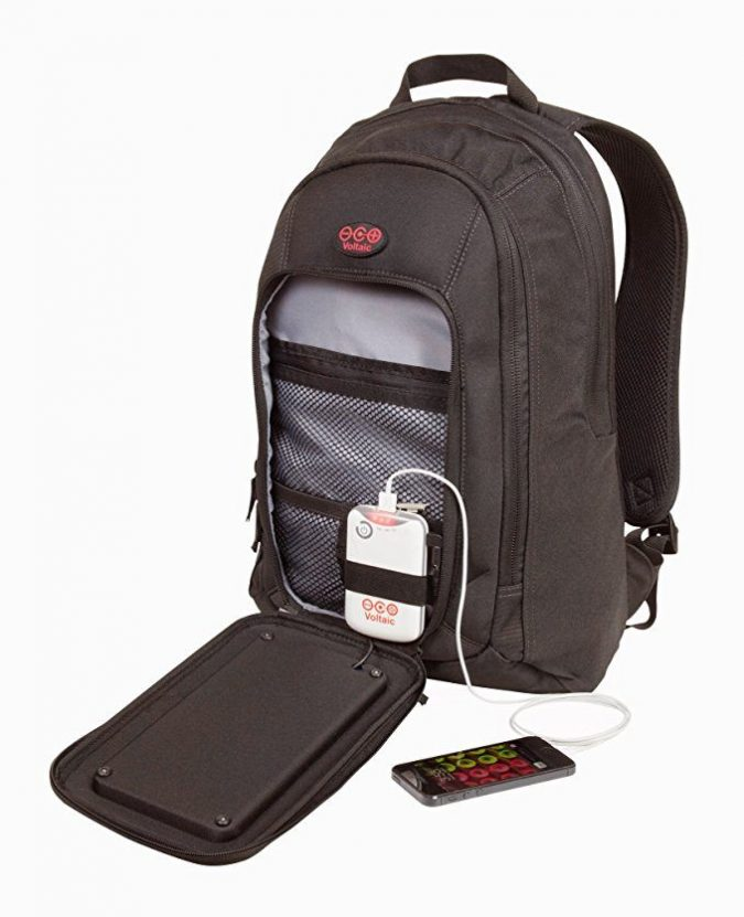 Solar-Backpack-675x831 12 Extraordinary Solar-Powered Products