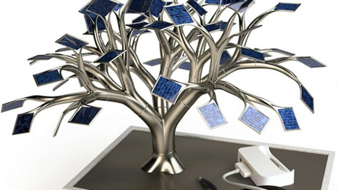 Solar-Bonsai-Tree2-675x380 Top 12 Unusual Solar-Powered Products
