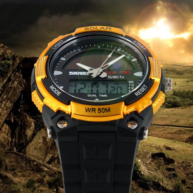 Solar-Watch2-675x675 Top 12 Unusual Solar-Powered Products