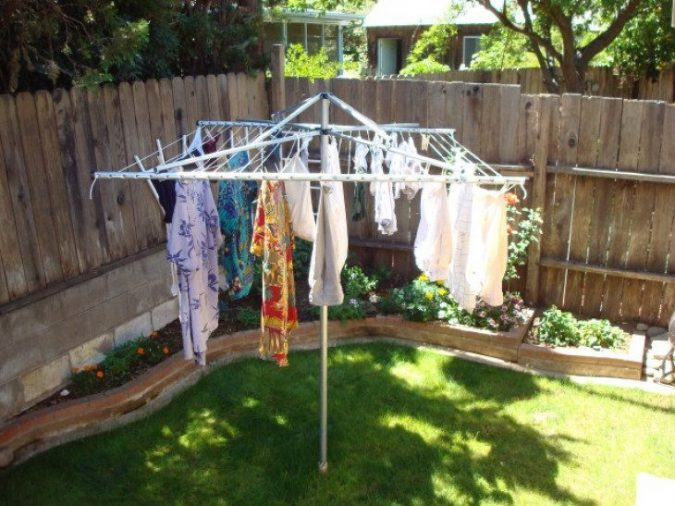 Solar-clothes-dryer-675x506 12 Unusual Solar-Powered Products in 2018