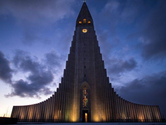 Thr-Church-of-Hallgrimur-675x507 15 Most Creative Building Designs in The World in 2018