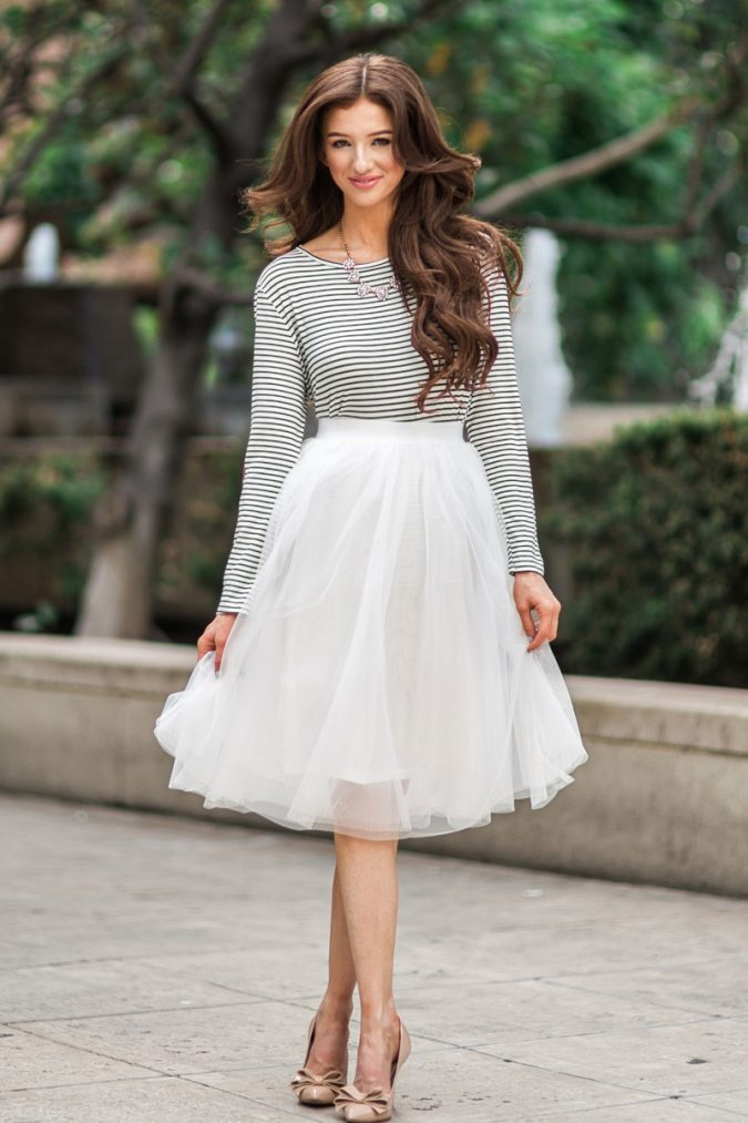 Tulle-skirt-675x1013 +40 Elegant Teenage Girls Summer Outfits Ideas in 2021