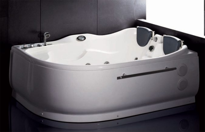 Whirlpool-Bathtubs2-675x435 6 Bathtub Designs that will Make your Jaw Drops!