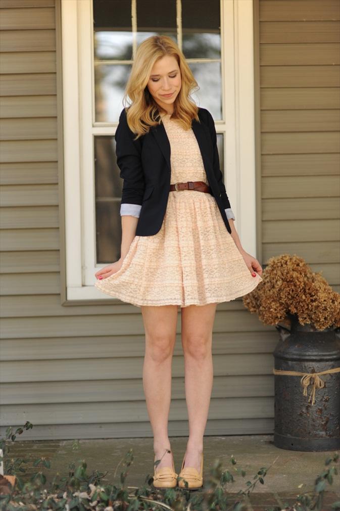 blazer-with-summer-dress2 +40 Elegant Teenage Girls Summer Outfits Ideas in 2021
