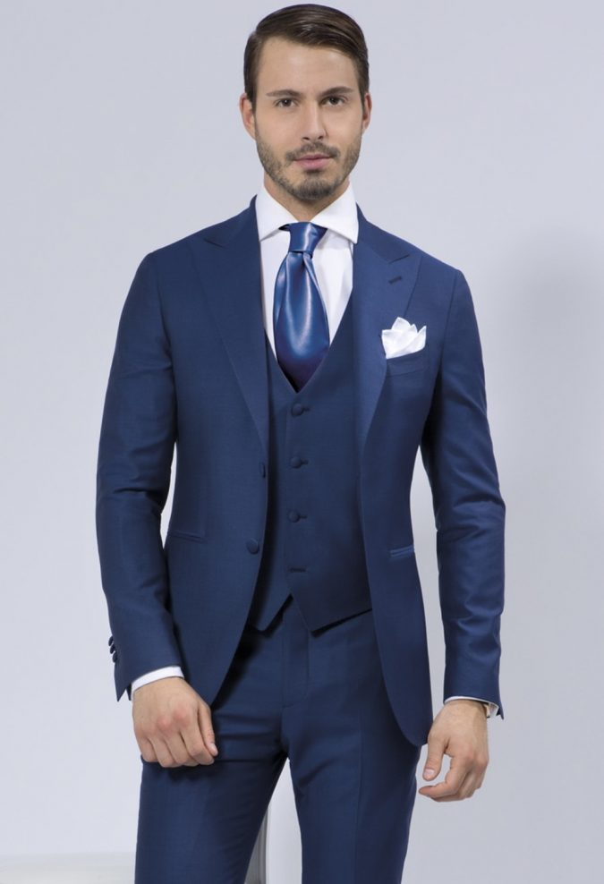 blue-suit3-675x988 14 Splendid Wedding Outfits for Guys in 2020
