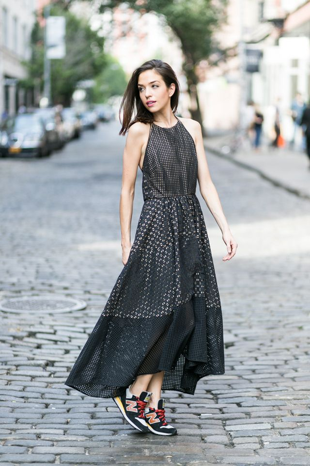 boho-dress-and-sneaker-1 +40 Elegant Teenage Girls Summer Outfits Ideas in 2021