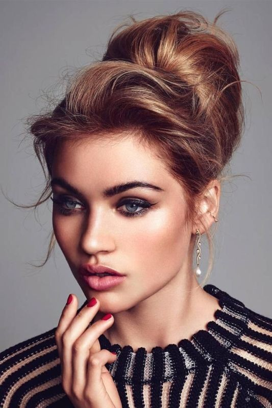 buns-6 28 Hottest Spring & Summer Hairstyles for Women 2020