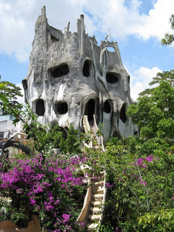 crazy-house-Hang-Nga-guesthouse-vietnam-29-675x900 15 Most Creative Building Designs in The World in 2018