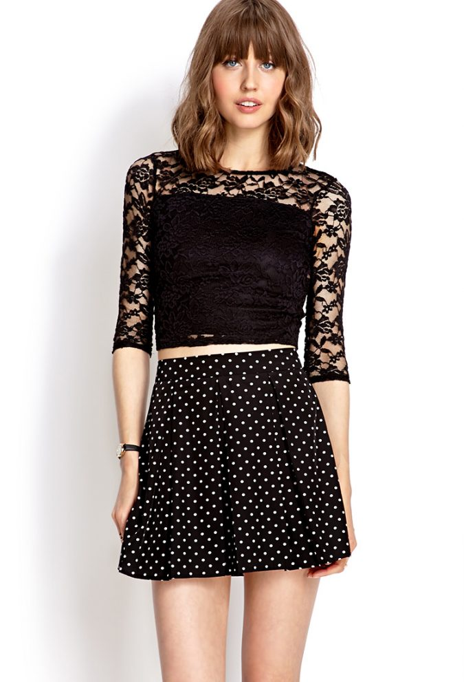 forever-21-black-sweet-lace-crop-top-product-1-16461605-1-702813610-normal-675x991 +40 Elegant Teenage Girls Summer Outfits Ideas in 2021
