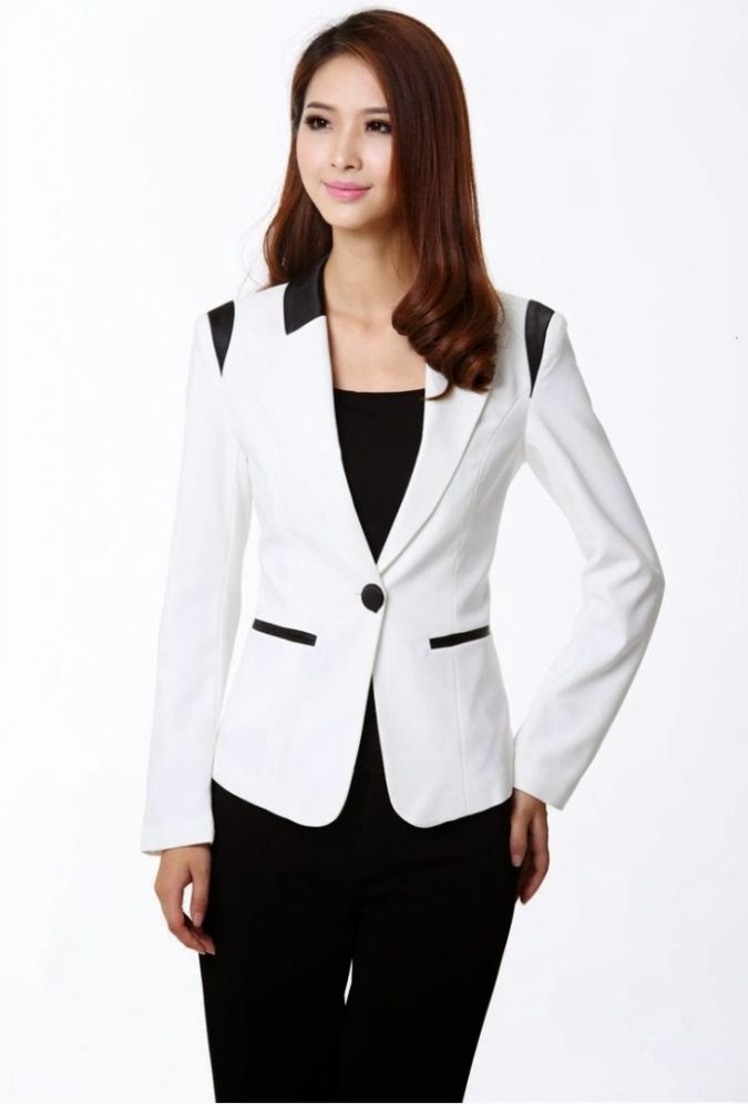 lined-blazer4-675x996 18 Work Outfits Every Working Woman Should Have