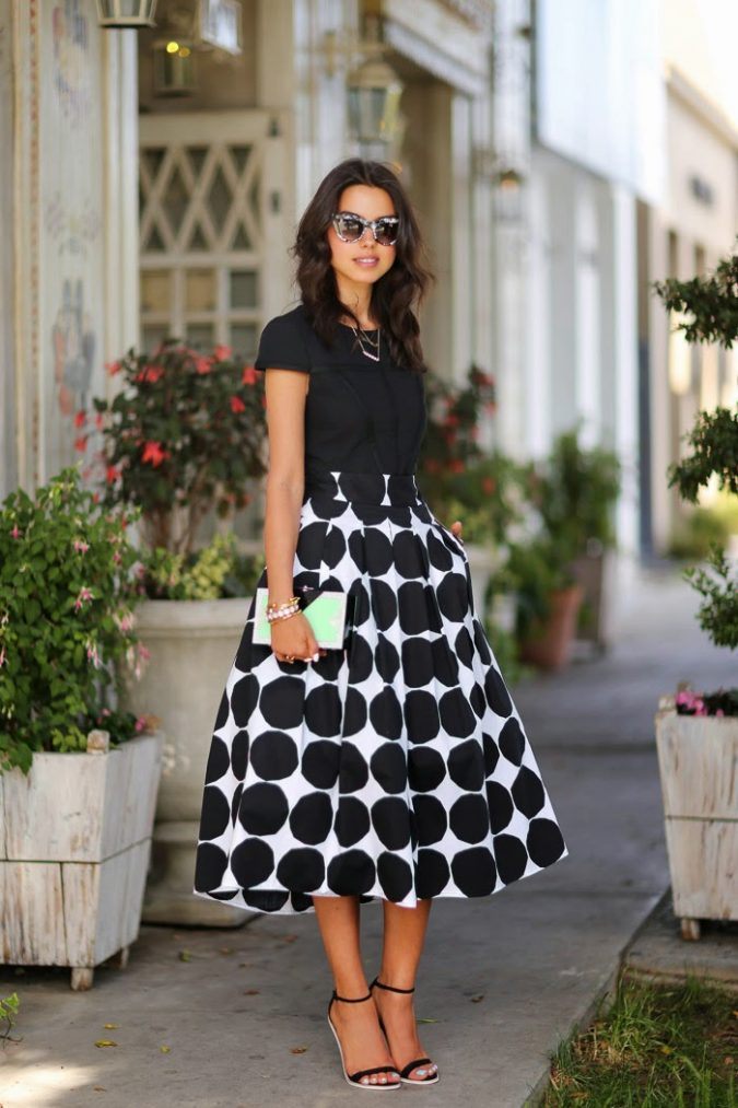 long-skirt2-675x1013 18 Work Outfits Every Working Woman Should Have